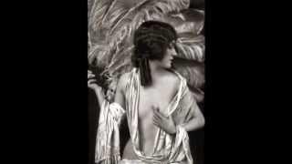 getlinkyoutube.com-Gloria Swanson Silent Film Diva