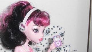 getlinkyoutube.com-Como fazer um mp3 com fone de ouvido para boneca Monster High, Barbie, etc