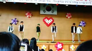 "getlinkyoutube.com-덕이중학교 3학년 남학생 댄스 무대 ""으르렁  -EXO"""