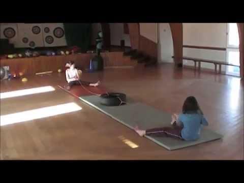 Exemples de jeux et d'exercices sportifs pour les enfants. Gym. Fitness. Sports de combat.