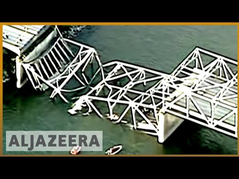 Bridge connecting US and Canada collapses
