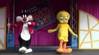 getlinkyoutube.com-Looney Tunes Dance Off Six Flags Over Georgia 2011 - Part 1 of 2
