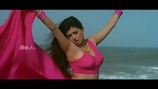 Priya Raman - En idhayam Sexy Mix