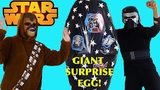 getlinkyoutube.com-DISNEY STAR WARS THE FORCE AWAKENS NEW GIANT EGG SURPRISE Kylo Ren and Chewbacca show us many TOYS!