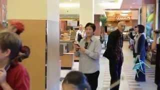 Fun Perfromances In  Gelsons Foodmarket