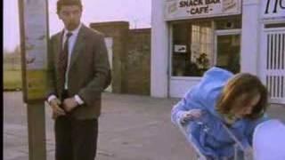 getlinkyoutube.com-Mr. Bean - The Bus Stop