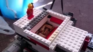getlinkyoutube.com-LEGO shredder eats 40 shreddies in 1 go!