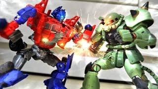 getlinkyoutube.com-Transformers Prime VS Zaku stop motion - 柯博文VS薩克