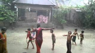 getlinkyoutube.com-Bangladesh Village kids playing in the rain