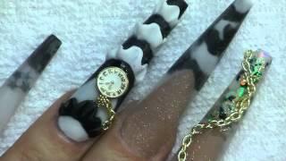 Uñas acrílicas: Blanco, negro y Reloj/ Long Vintag