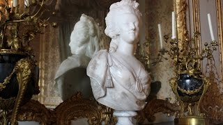 The opulent style of Marie Antoinette, The Queen's Chamber- Versailles