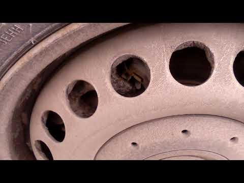 Где у Volkswagen Amarok задние тормозные колодки