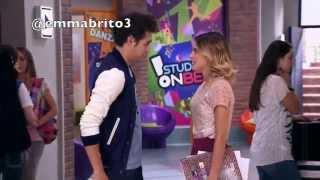 getlinkyoutube.com-Violetta 3 - León va al Studio a cantar con el grupo (03x53)