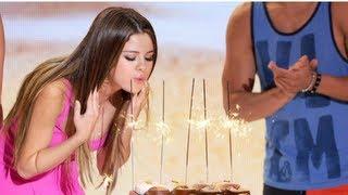 getlinkyoutube.com-Selena Gomez Celebrates Birthday at Teen Choice and Dinner With Justin Bieber