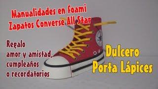 getlinkyoutube.com-Zapatos en foami Tenis Converse All Star para dulcero pisa papel o porta lápices recordatorios en fo