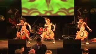 TRADITIONAL DANCE (RUMINGKANG & FUNKY PAPUA) PADA ACARA PMI DI DEN HAAG BELANDA