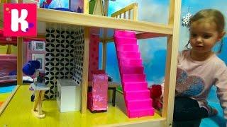getlinkyoutube.com-Домик для кукол с мебелью играем куклами распаковка игрушки doll House with furniture