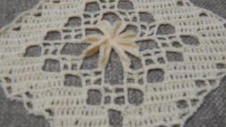 getlinkyoutube.com-Cuadro Flor 3D Crochet parte 1 de 2