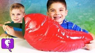 getlinkyoutube.com-Worlds Biggest Chili Pepper Surprise! Boogers, Toys + Candy, Chips n' Salsa HobbyKidsTV
