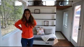 getlinkyoutube.com-How to Build a Loft Bed Triple Bunk Bedroom: Ana White Tiny House Build [Episode 11]