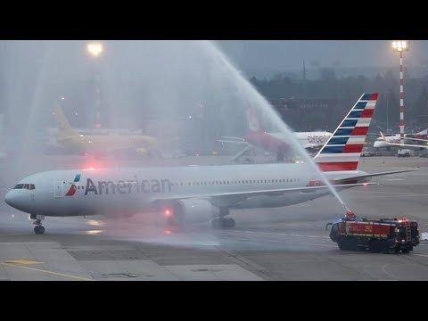 First American Airlines Boeing 767 Flight to Dsseldorf. Double Water Canon Salute (HD)