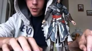 getlinkyoutube.com-NECA Assassins Creed Revelations Ezio Auditore figure review