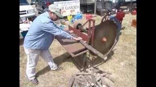 getlinkyoutube.com-4HP Sparta Economy Running a Buzz Saw