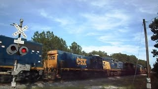 getlinkyoutube.com-CSX Locomotive Power Move Gate Crashes On Mans Head