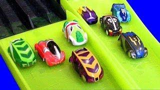 getlinkyoutube.com-Micro Chargers 8 Car Hyper Dome Madness Race Cars Vs Stunt Cars Boy Vs Girl