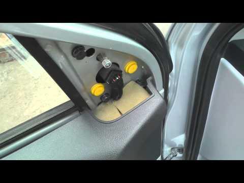 Hyundai Accent, снятие КАРТЫ ДВЕРИ