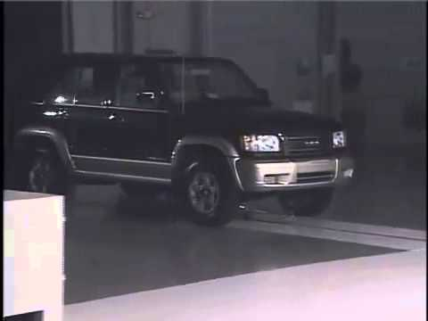 Isuzu Trooper 2000 (8kmph Flat Barrier IIHS)