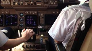 getlinkyoutube.com-Взлет Бангкок Трансаэро Боинг 747-400