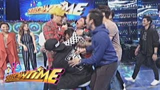 It's Showtime: Vice Ganda was mobbed by the Hashtags