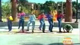 getlinkyoutube.com-Sesame Street - Girls clap out a song about seven