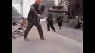 getlinkyoutube.com-Anh thợ xây nhảy shuffle dance cực đỉnh