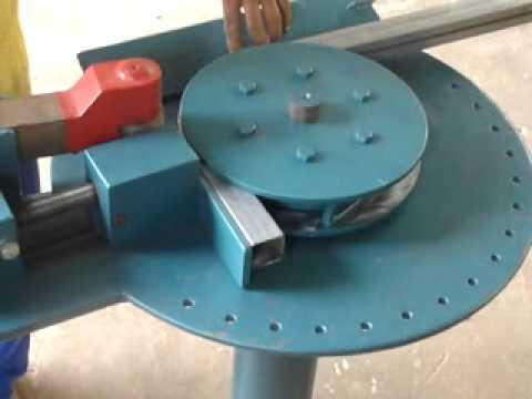 Maquina de Curvar Tubos e Metalon