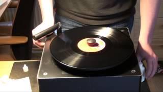 Okki Nokki record cleaning machine - Review & Demo!