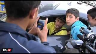 getlinkyoutube.com-Neymar llega al entrenamiento del barcelona en su coche