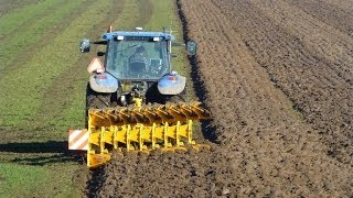 getlinkyoutube.com-New Holland TM140 with 9 furrow Rumptstad WE-9 ECO-plough / ploeg