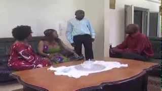 getlinkyoutube.com-Les Guignols d'Abidjan - Façon tu viens au pouvoir c'est la façon tu t'en vas