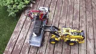 getlinkyoutube.com-Lego Technic Mercedes-Benz Arocs (42043) & Volvo L350F (42030)