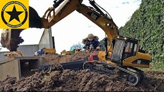 getlinkyoutube.com-BRUDER EXCAVATOR Hydraulic CATERPILLAR RC! Operated by JACK 5