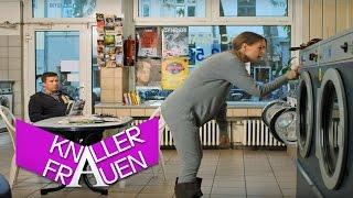 getlinkyoutube.com-Knallerfrauen mit Martina Hill   Knallerwäsche [subtitled]