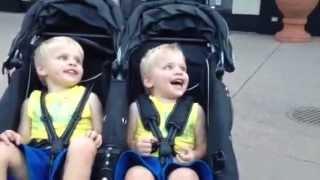 getlinkyoutube.com-Cute Laughing Twins