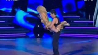 Ο χορός της Έρρικα Πρεζεράκου στο Dancing With The Srars 12/06/2011