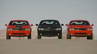 getlinkyoutube.com-Challenger Drag Race! - SE vs R/T vs SRT8