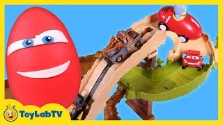 getlinkyoutube.com-Cars Radiator Springs 500 1/2 Off-Road Rally Race Track & Lightning McQueen Play Doh Surprise Egg