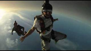 getlinkyoutube.com-Fazza Skydive