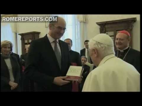Pope's book on the infancy of Jesus released