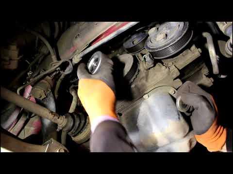 Замена приводного ремня и роликов Mazda 3 1,6 Мазда 3 2006 года